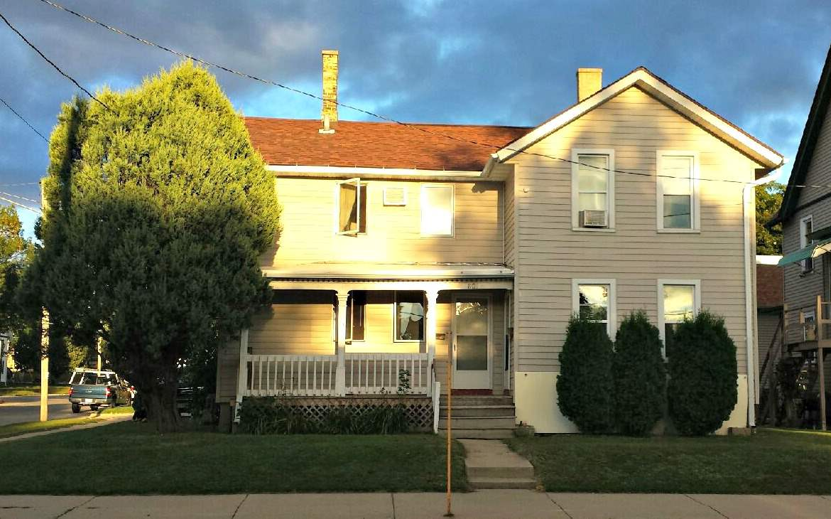 801 S 3rd St, Watertown, WI 53094