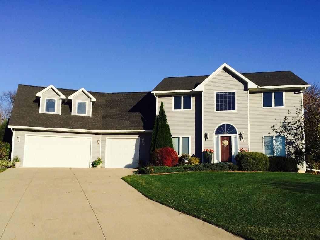 825 WINDSOR CT, Ripon, WI 54971