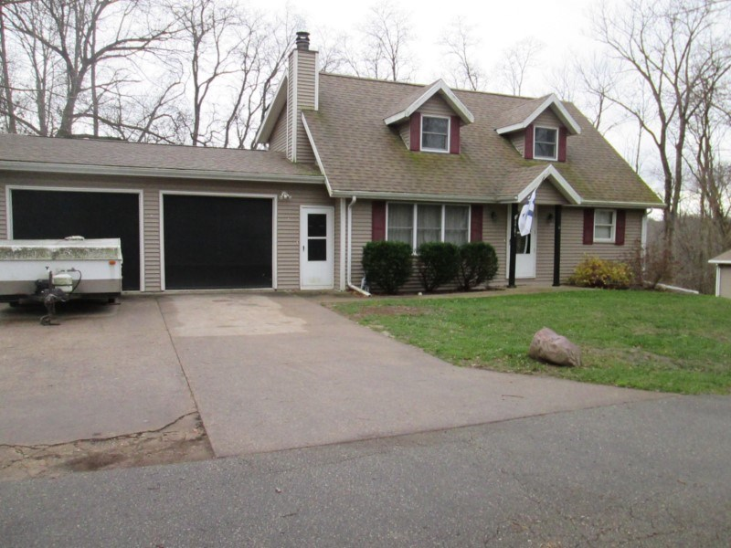 3751 Woodland LN, Jamestown, WI 53811
