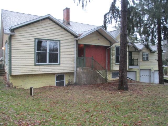 W864 Douglas Ave, Bloomfield, WI 53105