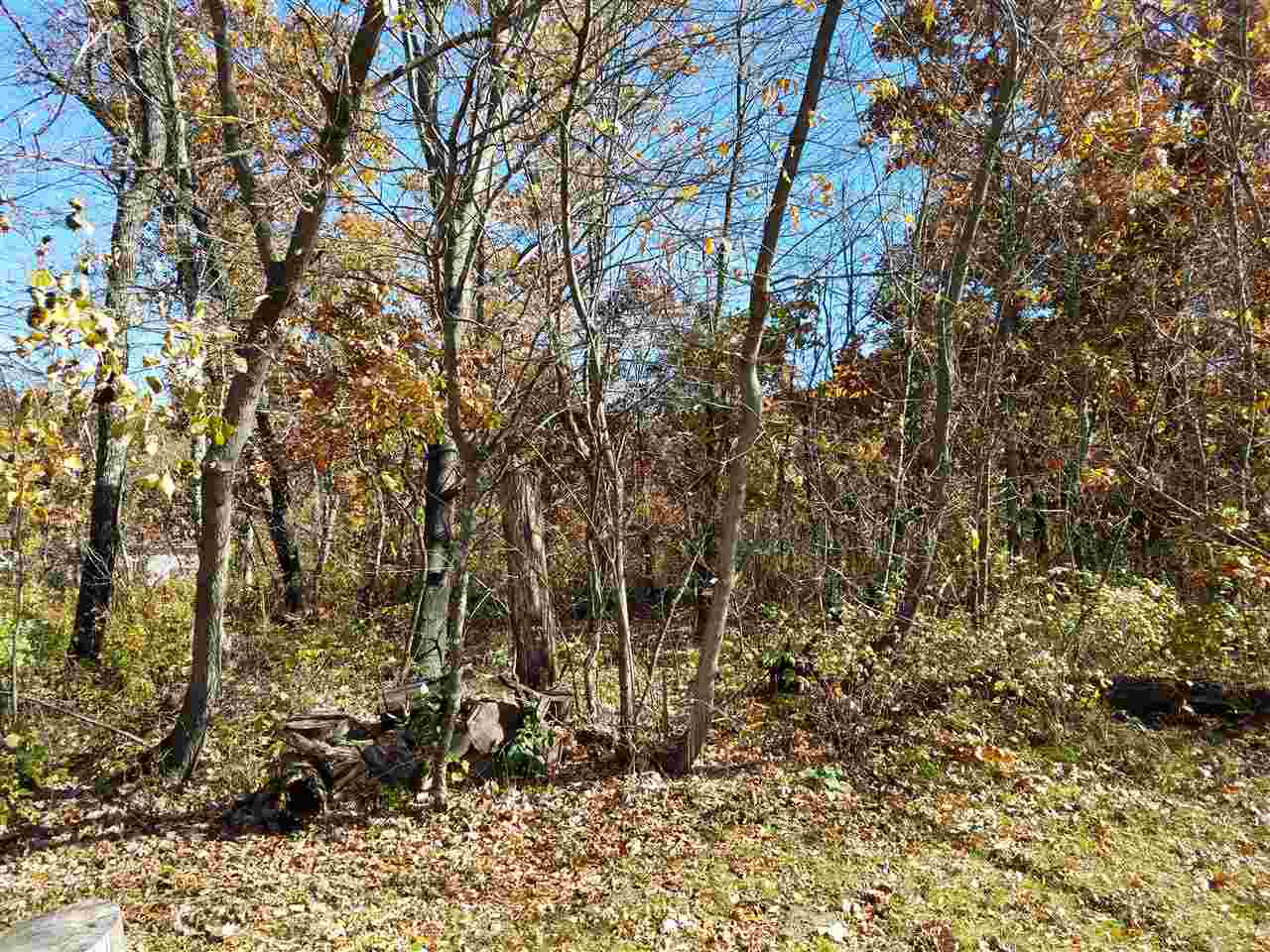 2906 Brentwood DR, New Chester, WI 53936