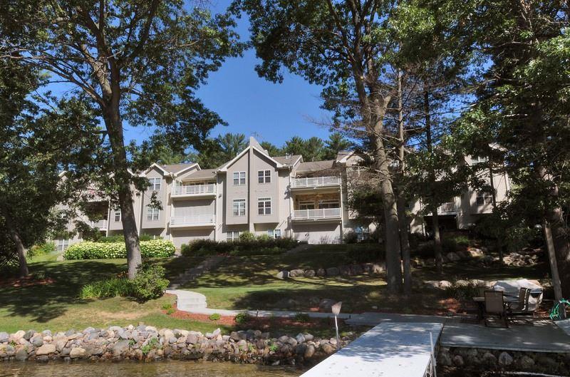 414 E HIAWATHA DR 105, Lake Delton, WI 53940