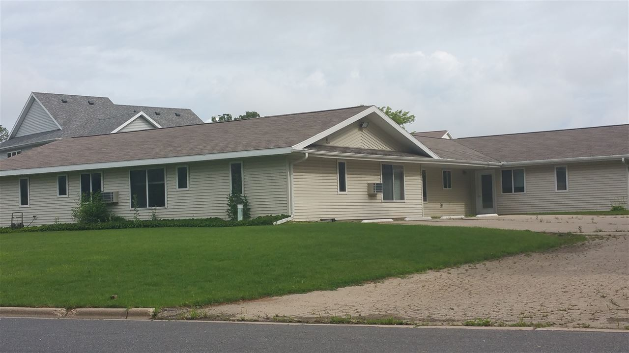 206 Colby St, Poynette, WI 53955
