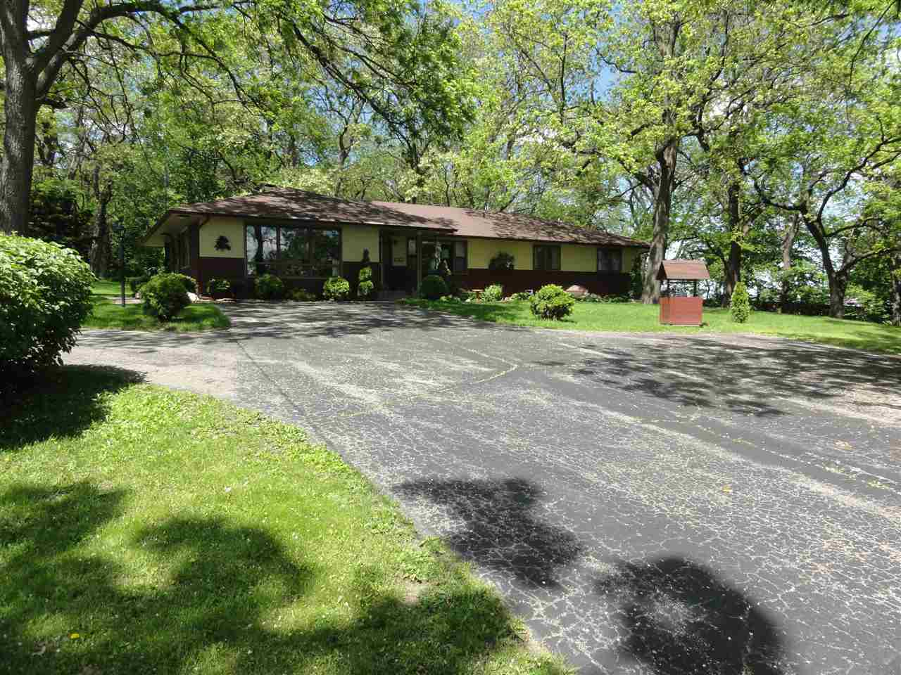 6404 COTTAGE GROVE RD, Madison, WI 53718