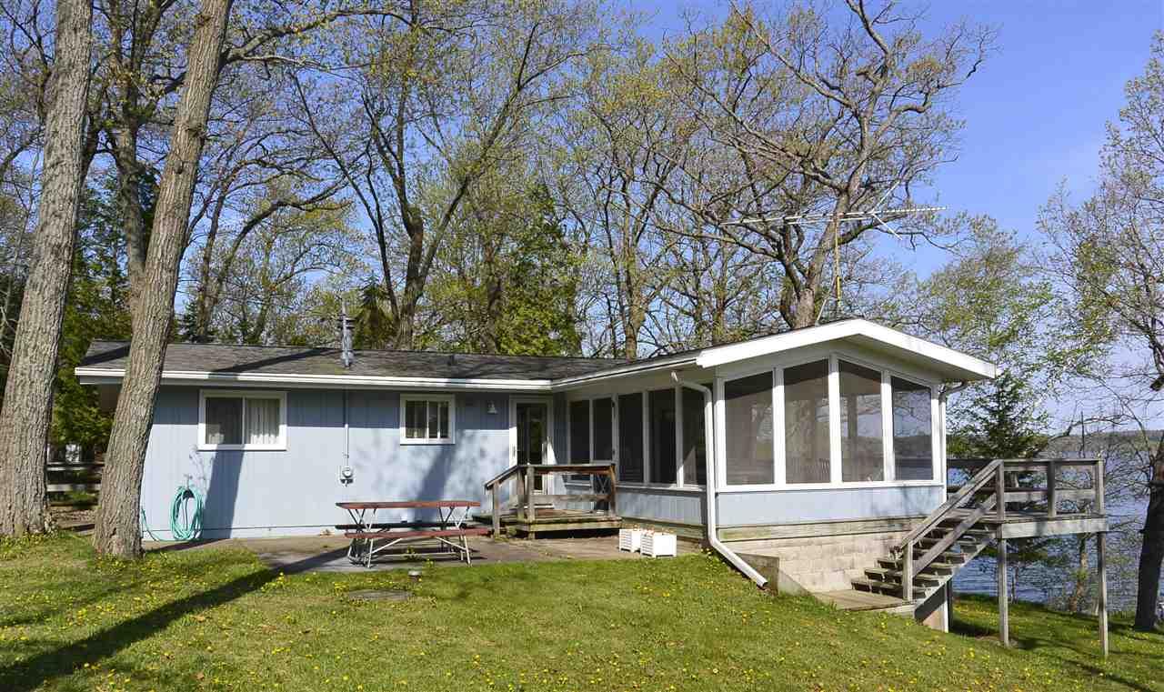 W1930 Tuleta Hill Rd, Green Lake, WI 54941