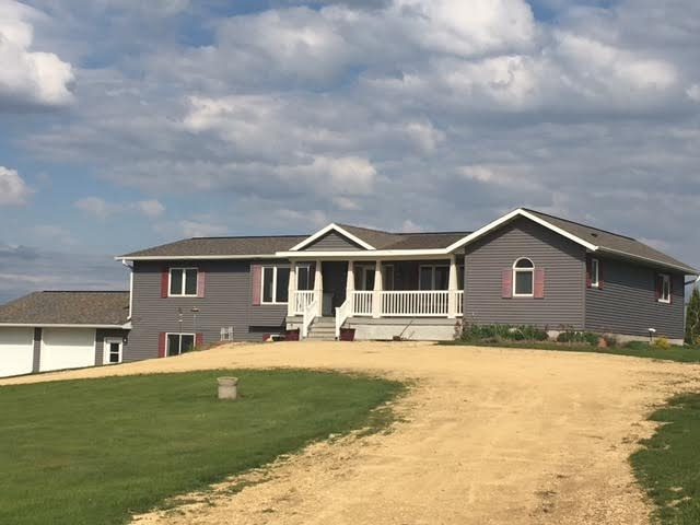 5879 COUNTY ROAD YZ, Dodgeville, WI 53533