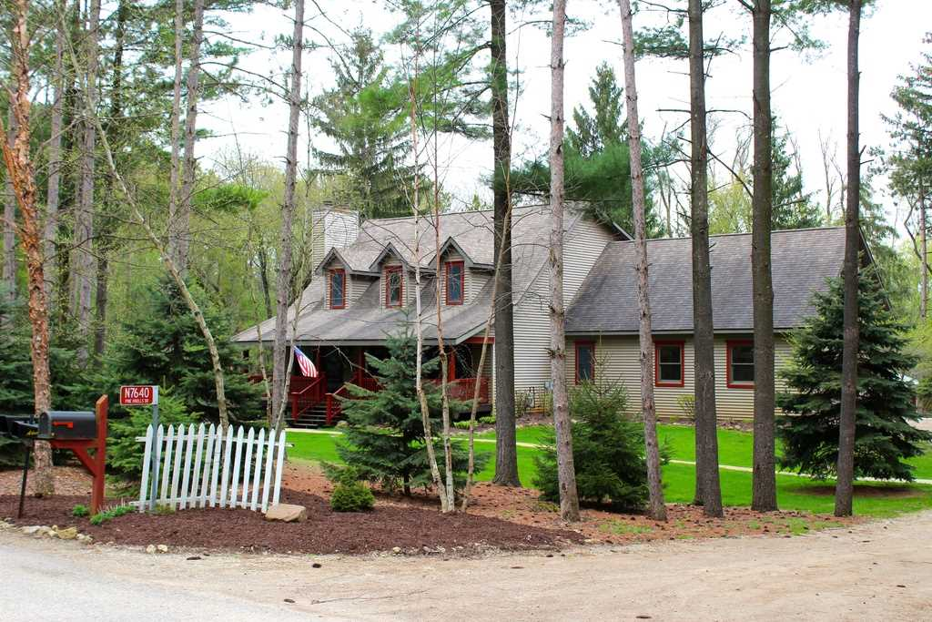 N7640 Pine Knolls Dr, Whitewater, WI 53190