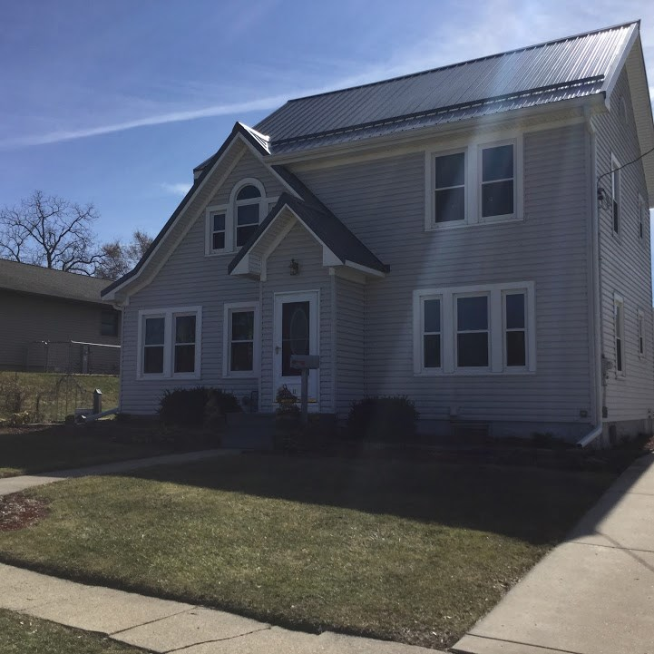 115 E South St, Browntown, WI 53522