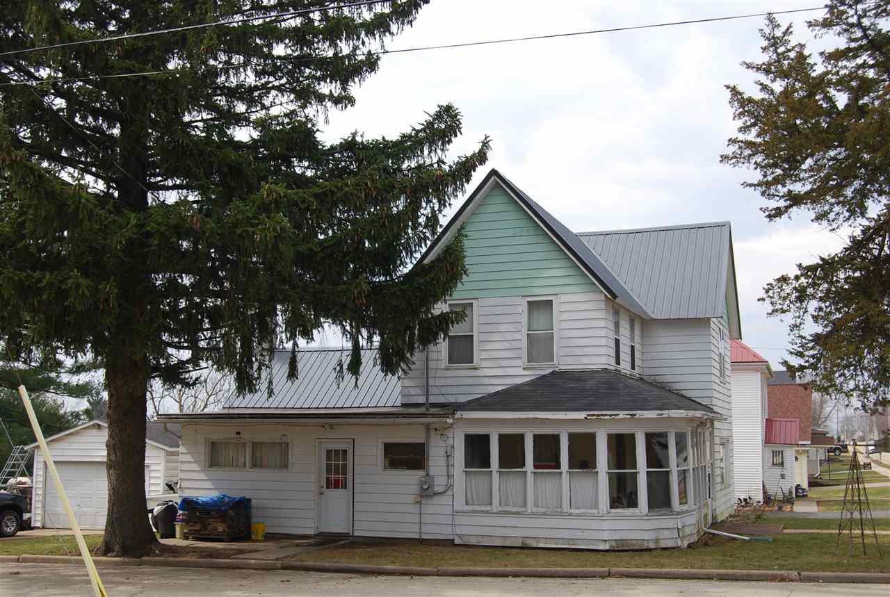 1103 W Dodgeville St, Highland, WI 53543