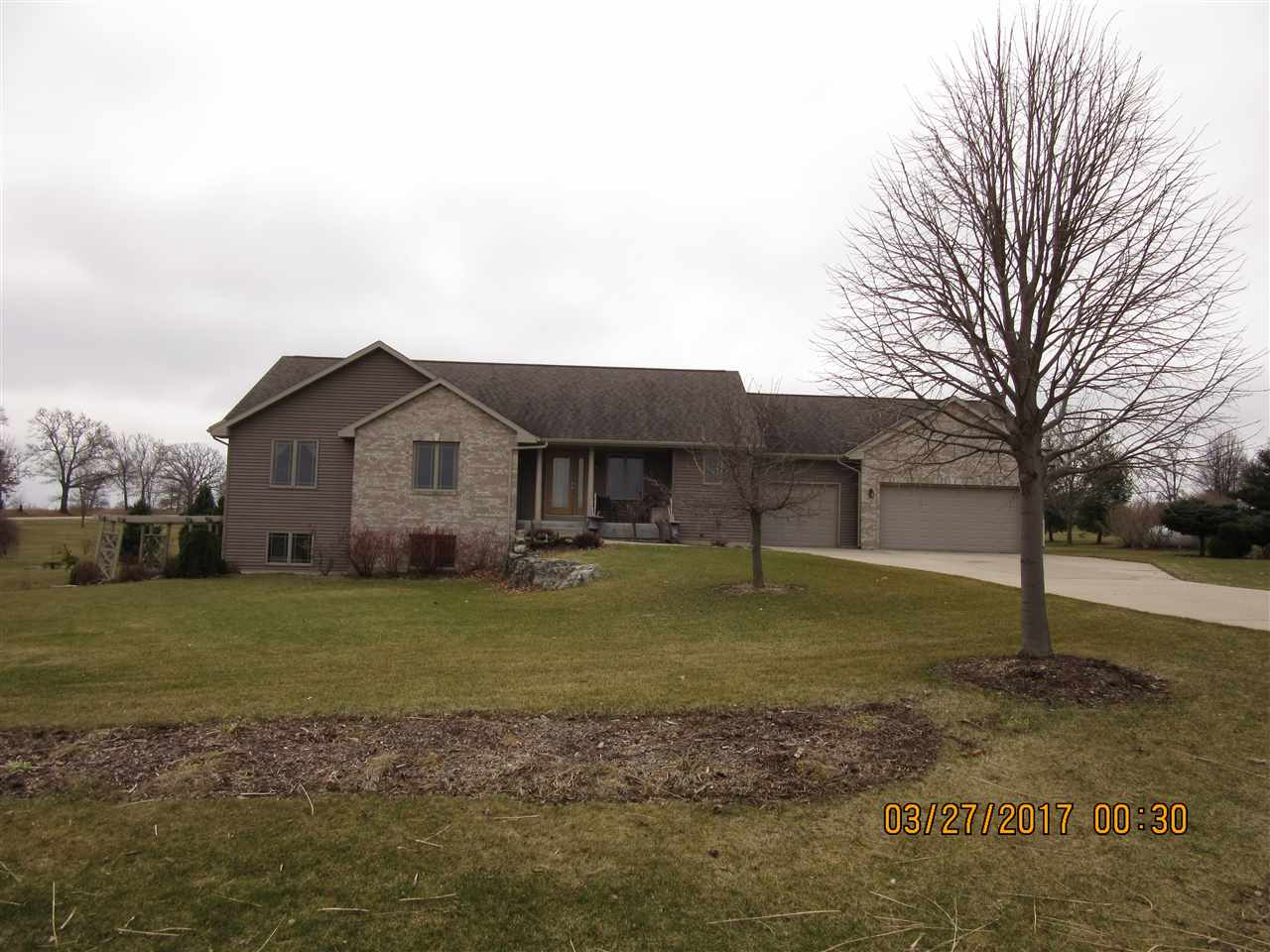 W611 Shannon Rd, Albany, WI 53502