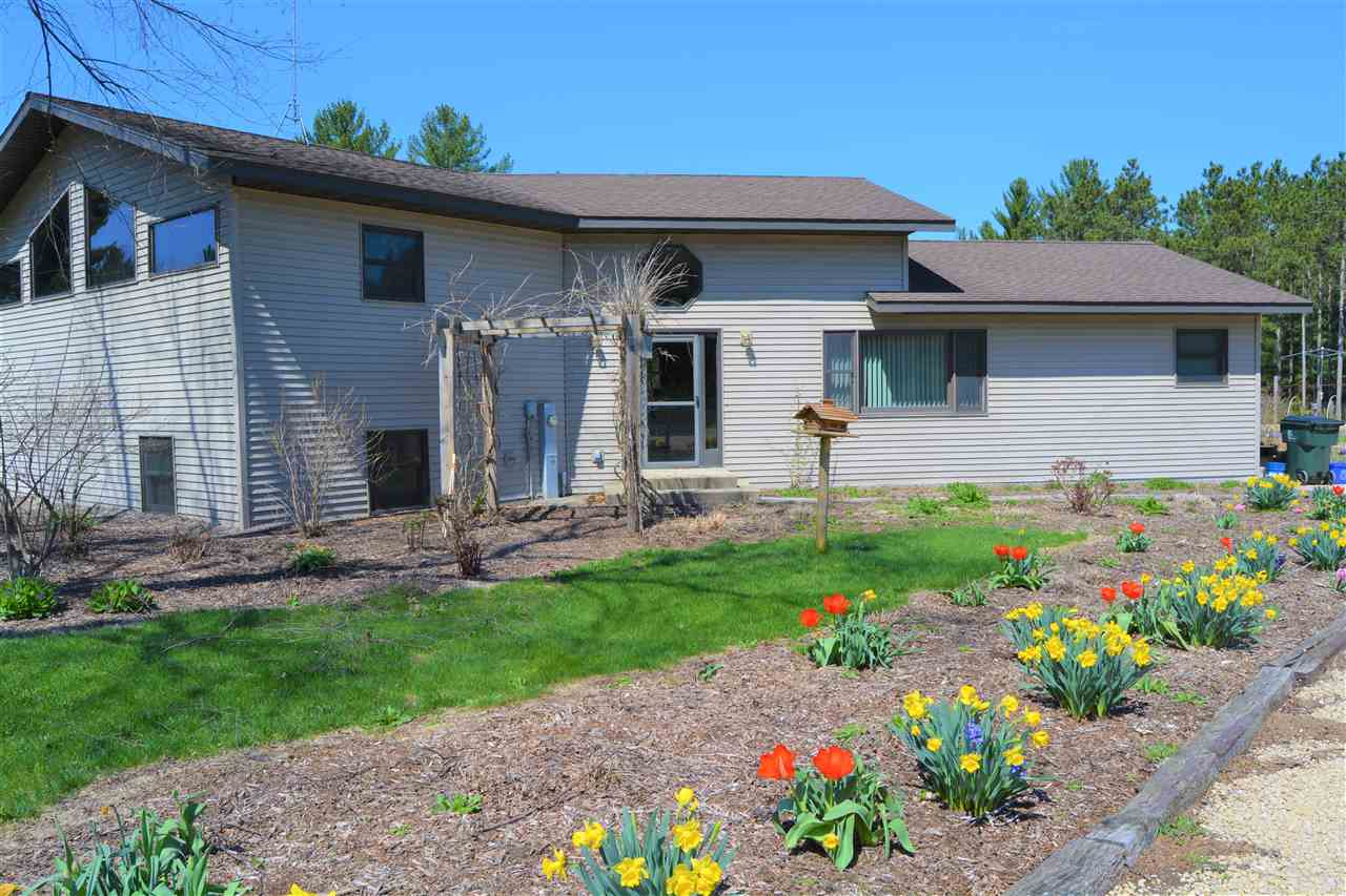 E2960 Phylane Rd, Spring Green, WI 53556