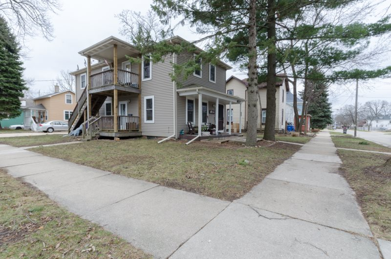 701 S 6th St, Watertown, WI 53094
