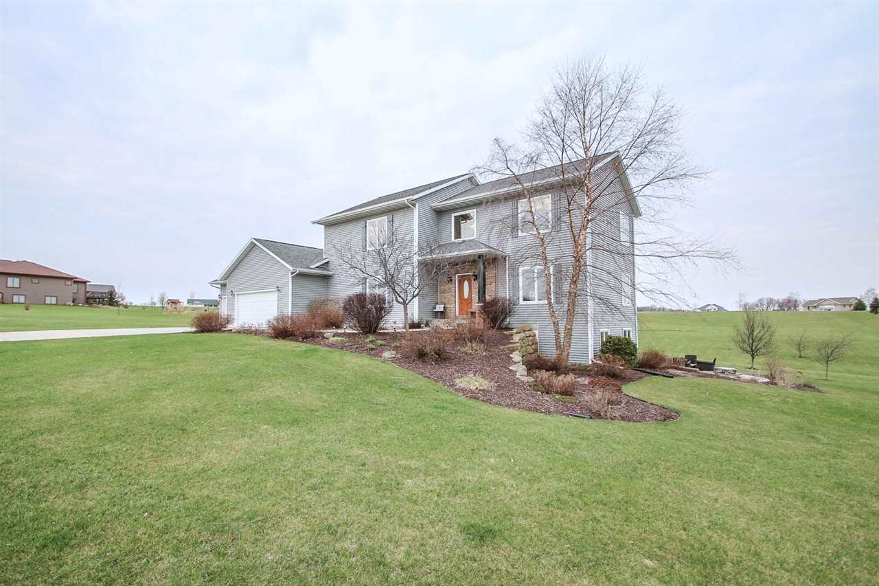 3488 Soldiers Ct, Dodgeville, WI 53533