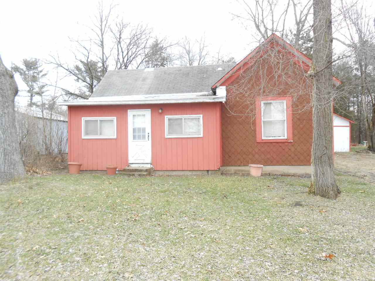 2540 Charles St, New Chester, WI 53936