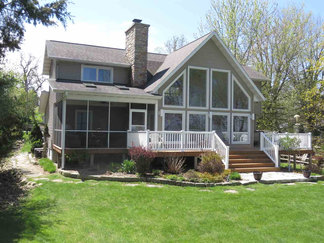 W1316 SPRING GROVE RD, Green Lake, WI 54971