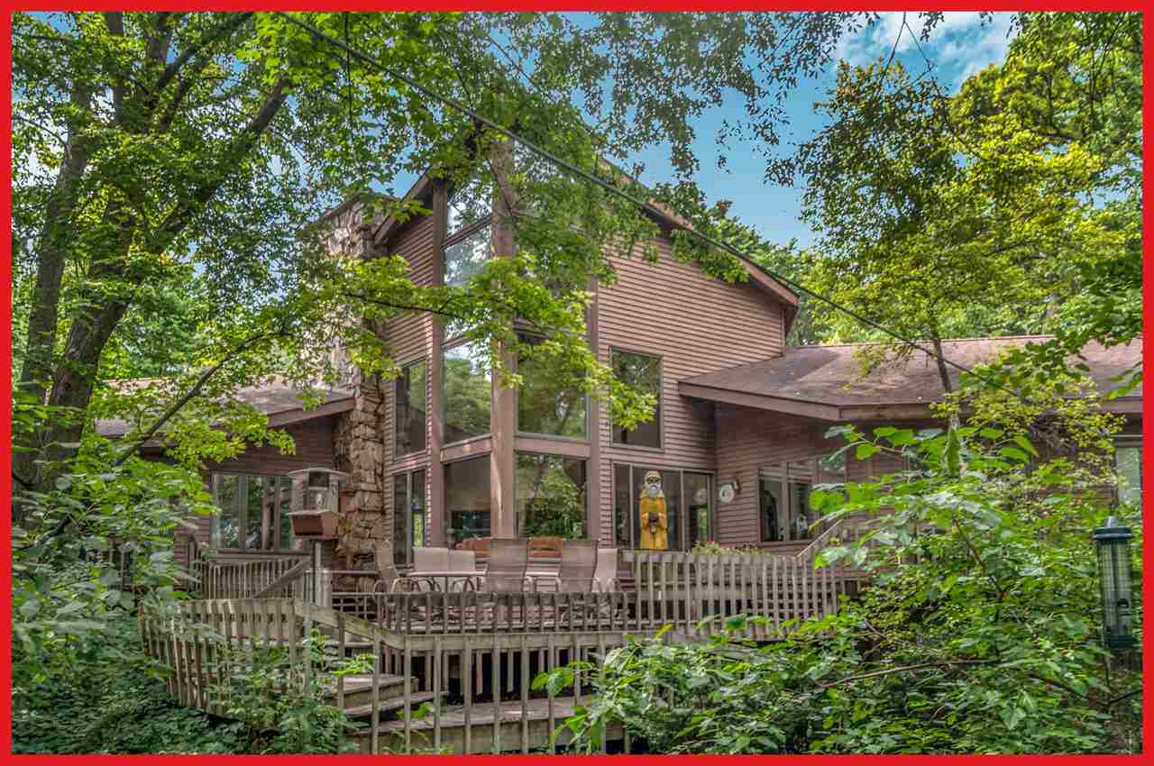 N6590 Shorewood Hills Rd, Lake Mills, WI 53551