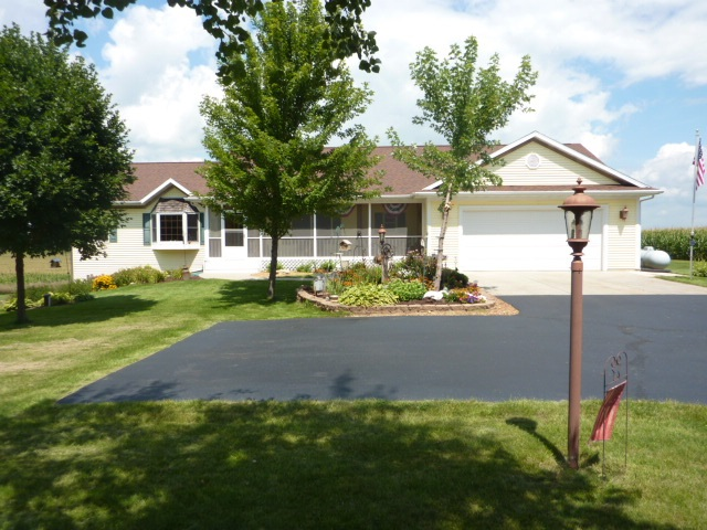 8720 W Orfordville-Hanover Rd, Plymouth, WI 53576