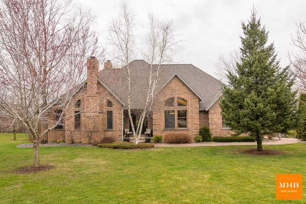 1244 E Lake Rd, Mineral Point, WI 53565