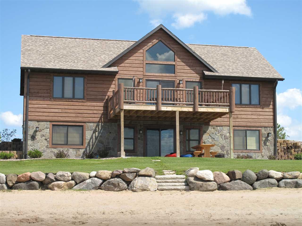 L44 Island Lake Dr, Germantown, WI 53950