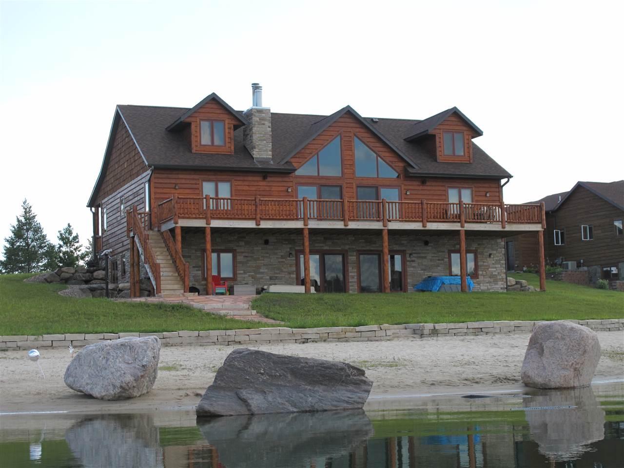 L48 Island Lake Dr, Germantown, WI 53950