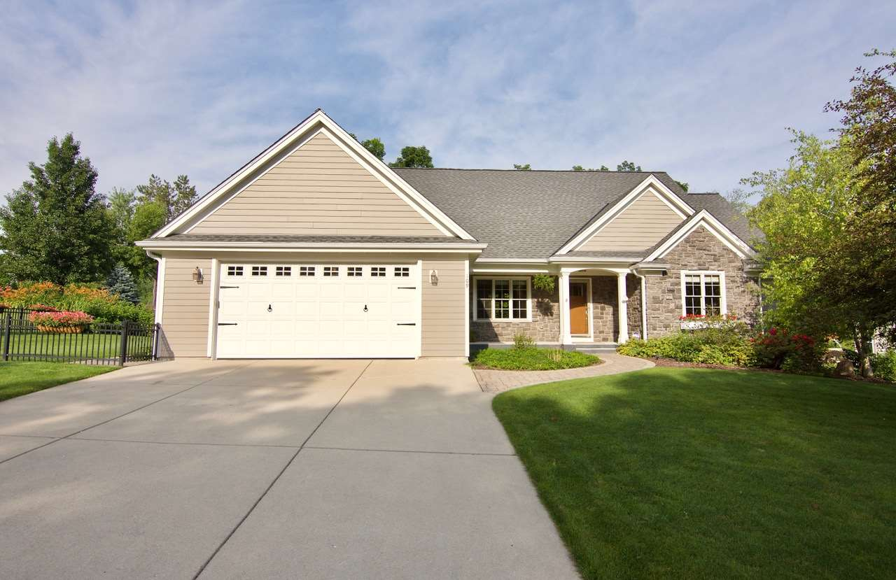 109 Lower Woodford Cir, West Bend, WI 53090