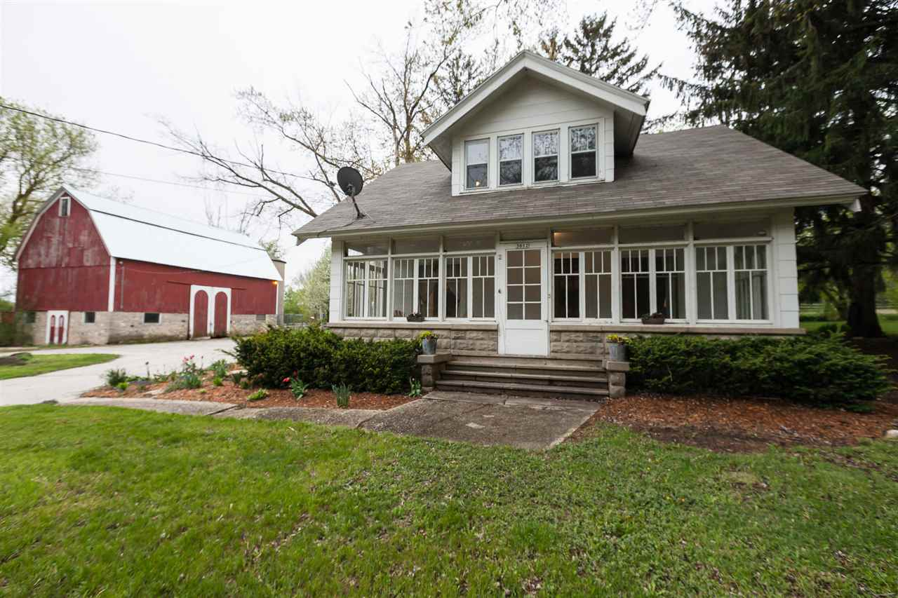 3612 Buena Park Rd, Waterford, WI 53105