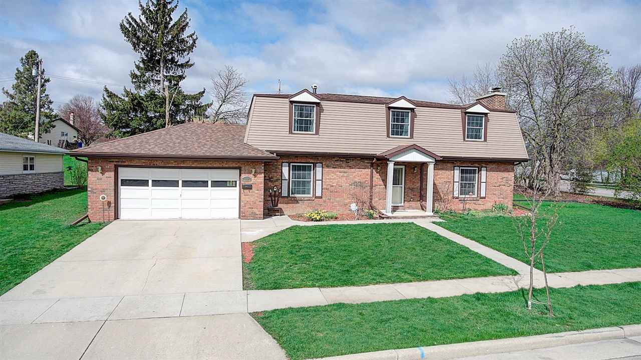 502 S Finch St, Horicon, WI 53032