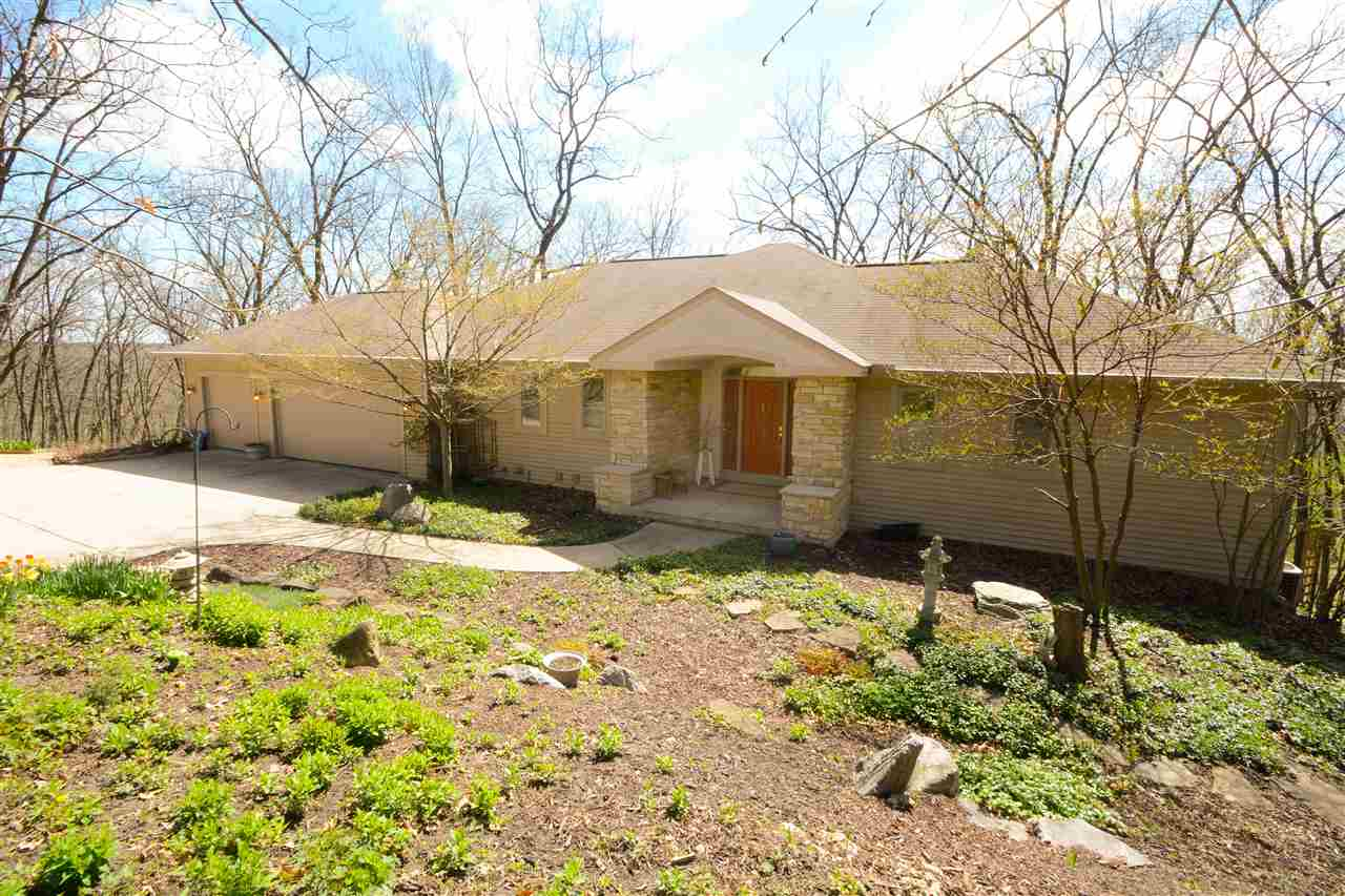 4244 SPRECHER RD, Blooming Grove, WI 53718