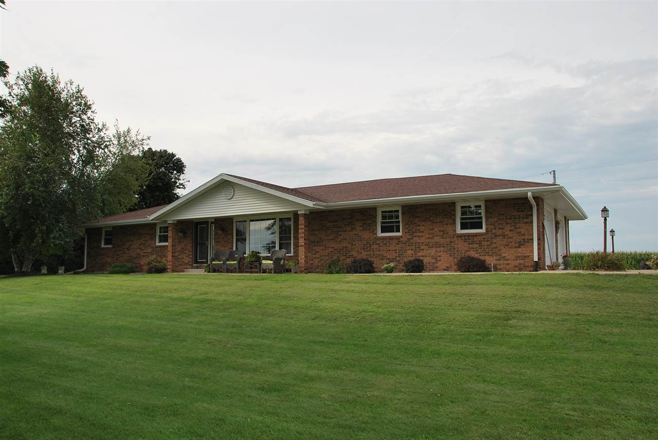 16942 Hwy 81, Darlington, WI 53530