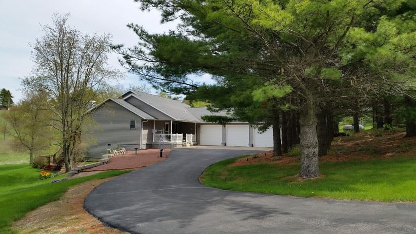 W4030 Pine Valley Rd, Exeter, WI 53508