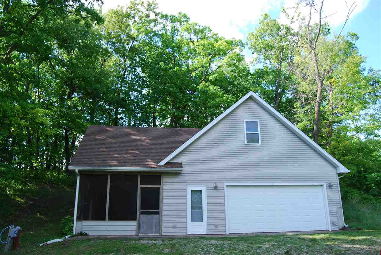 13043 WALNUT BLUFF RD, Bloomington, WI 53804