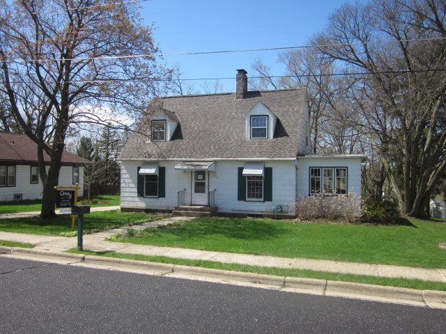 305 S East St, Albany, WI 53502