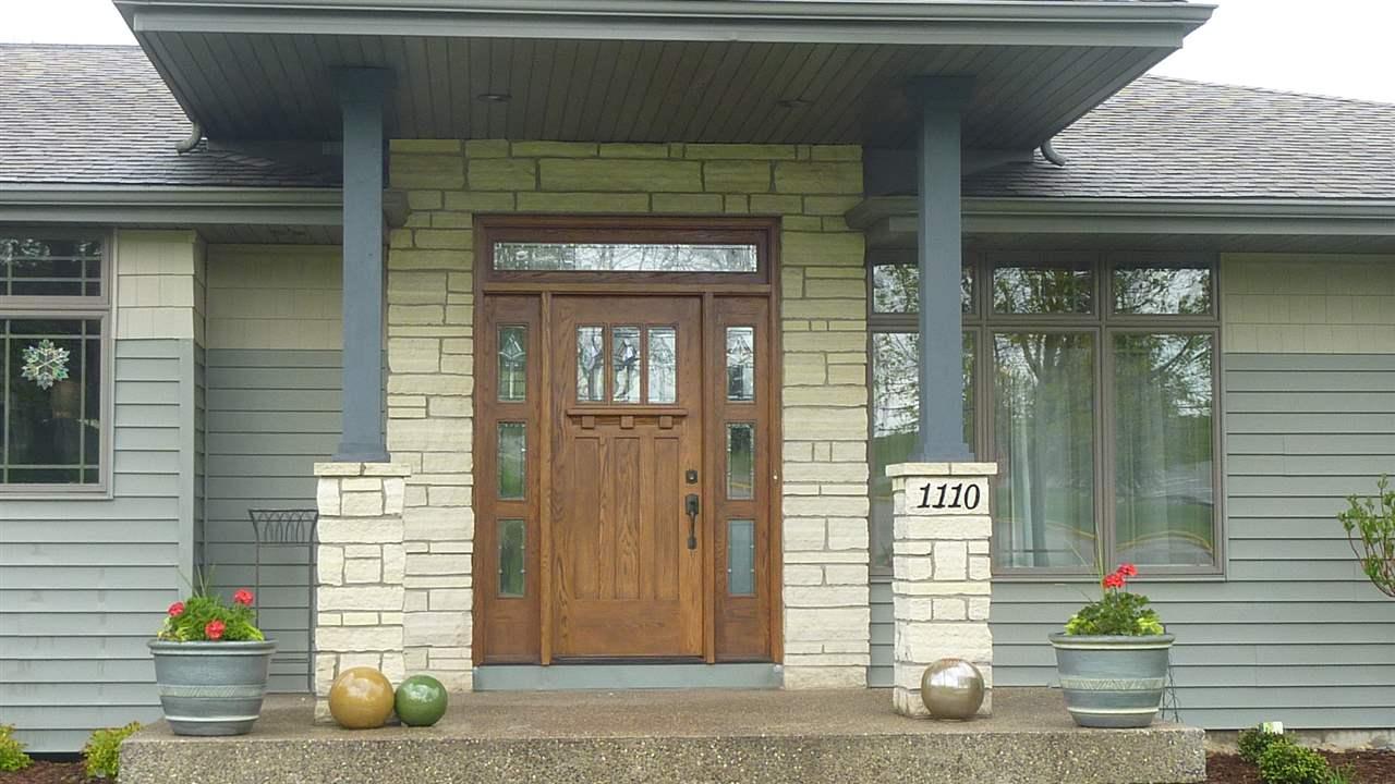 1110 EVERGREEN ST, Hazel Green, WI 53811