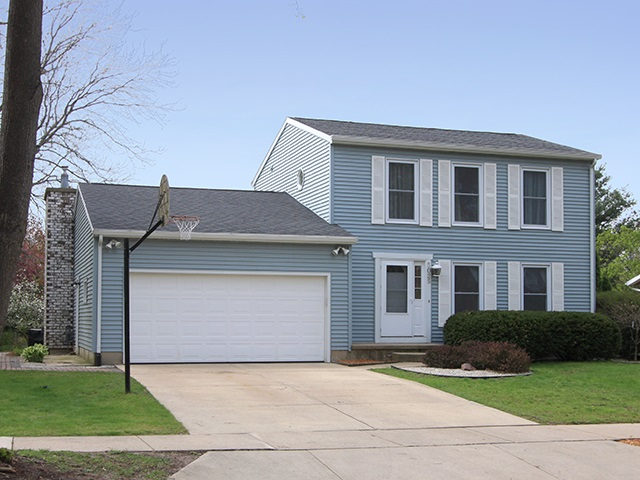 5025 Stonehaven Dr, Madison, WI 53716