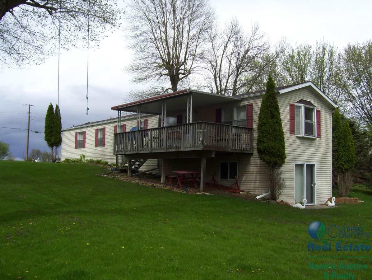 W10877 Blackhawk Tr, Fox Lake, WI 53933