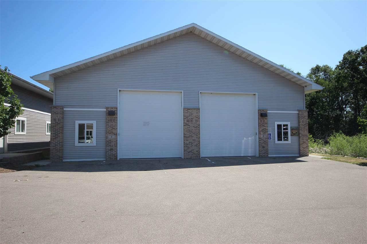 280 BUSINESS PARK CIR, Stoughton, WI 53589