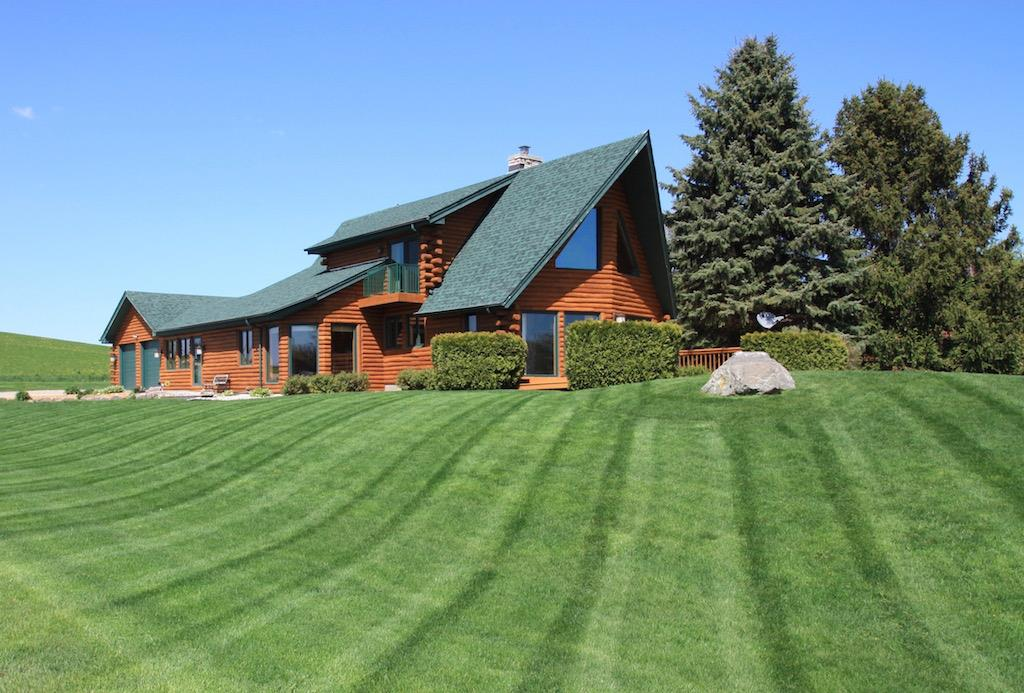 7943 Stagecoach Rd, Cross Plains, WI 53528