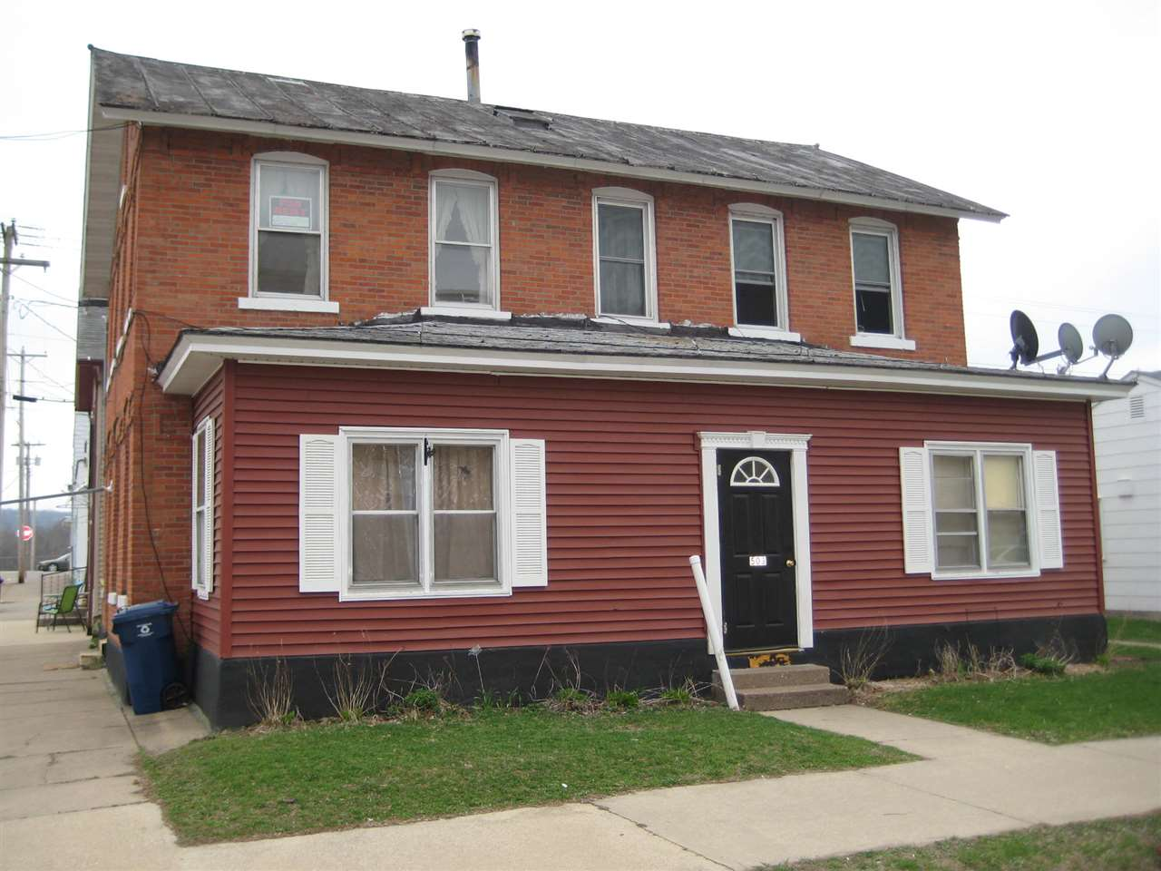 503 S 1st St, Other, IA 52052