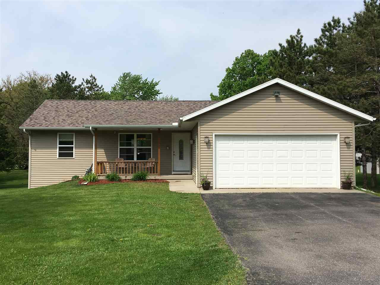 N6251 HILLCREST RD, Pacific, WI 53954