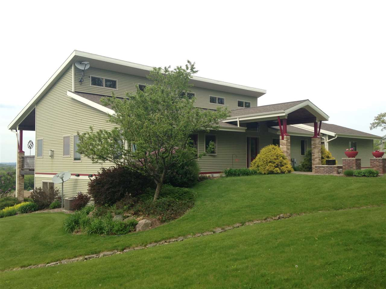 W4048 KAMMES DR, Exeter, WI 53508