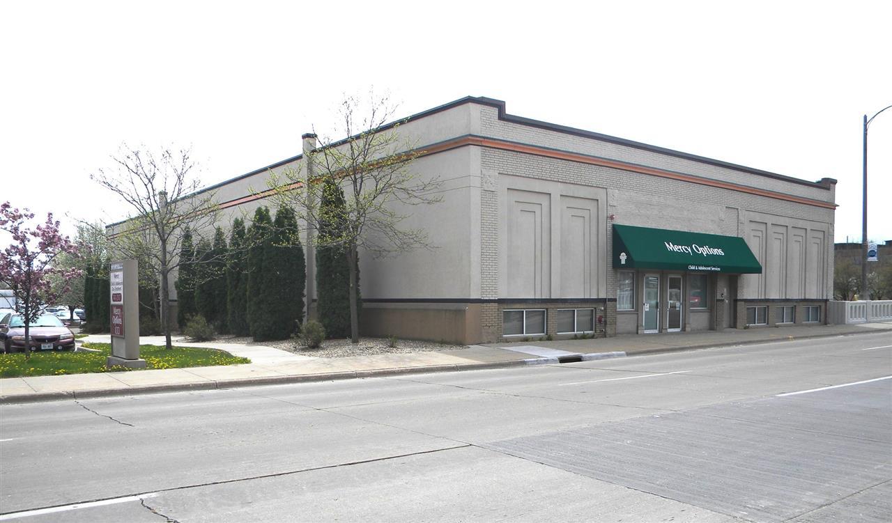 20 E Court St, Janesville, WI 53545