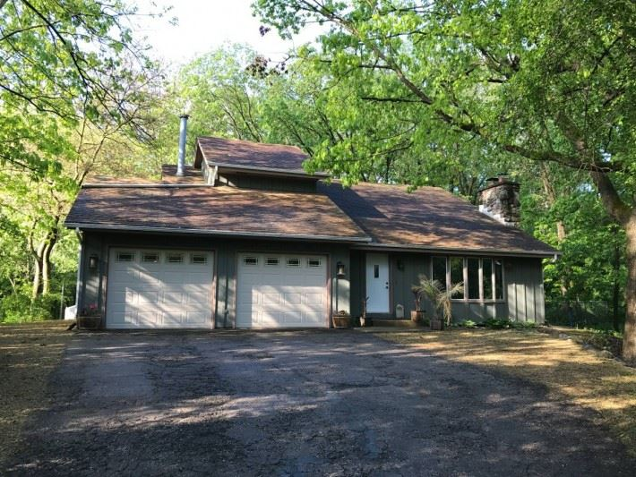 4763 Country Meadows Rd, Oregon, WI 53521
