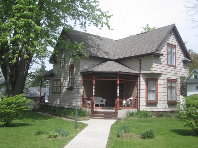 100 Benton St, Wonewoc, WI 53968