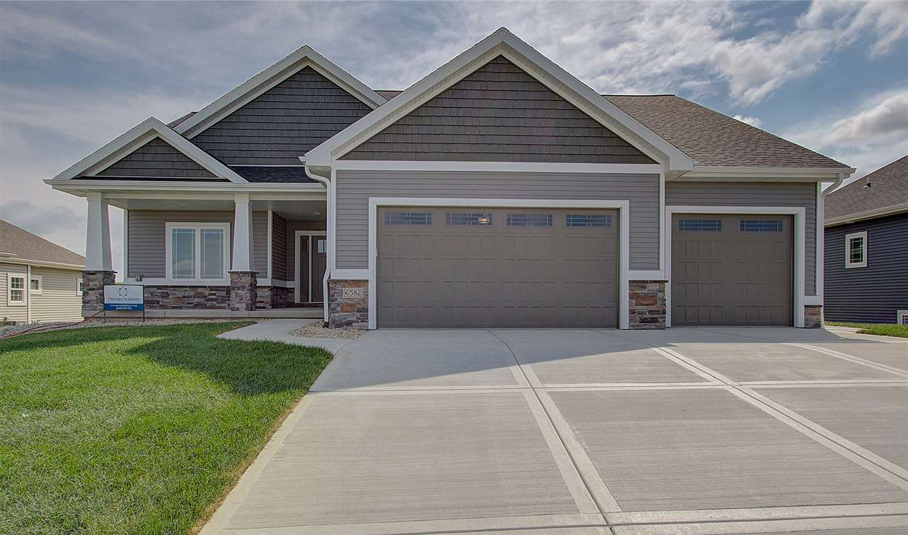 6582 Wolf Hollow Rd, Windsor, WI 53598