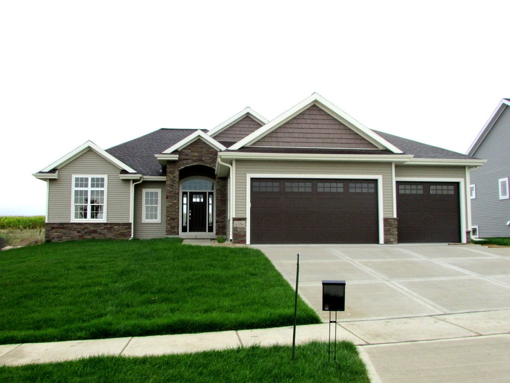 6586 Wolf Hollow Rd, Windsor, WI 53598