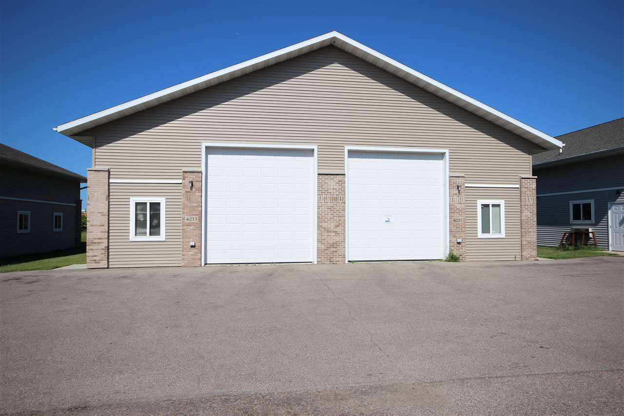 4201-4251 COMMERCIAL DR, Janesville, WI 53546