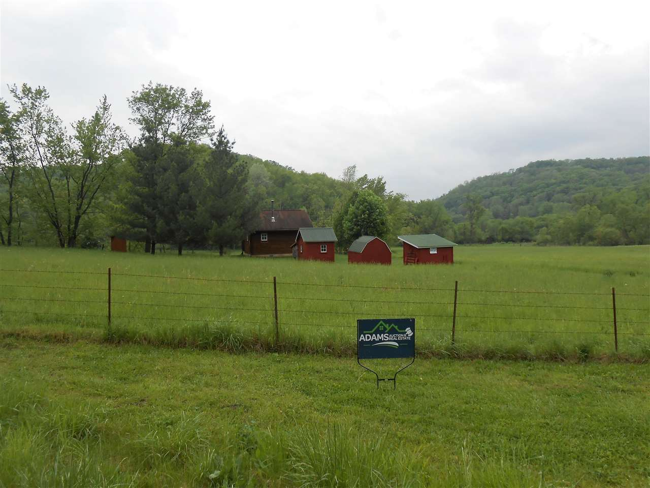 10171 County Road C, Millville, WI 53827