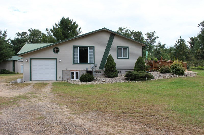 2604 10TH DR, Easton, WI 53910
