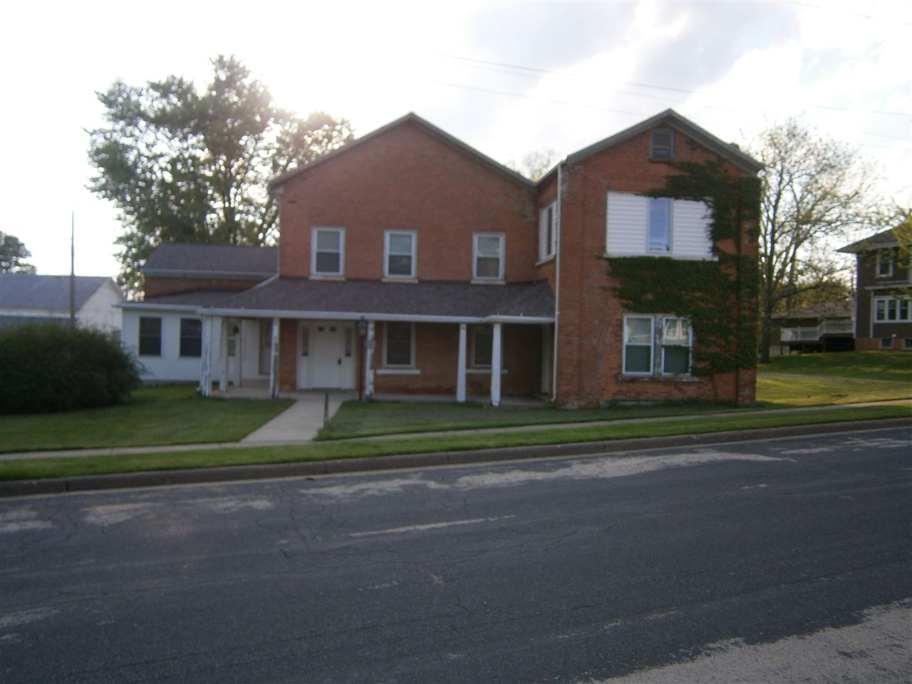 305 N Judgement St, Shullsburg, WI 53586