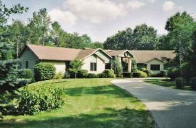 22047 Fleming Ave, Greenfield, WI 54660